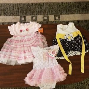 Bundle 4 Girl Dresses and 1 Two piece set 12-24M
